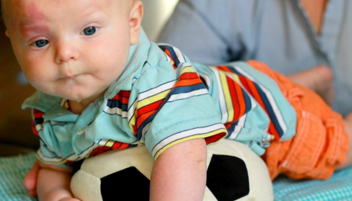 How to Strength Your Baby's Body and Brain: Simple Sensory Activities for Babies